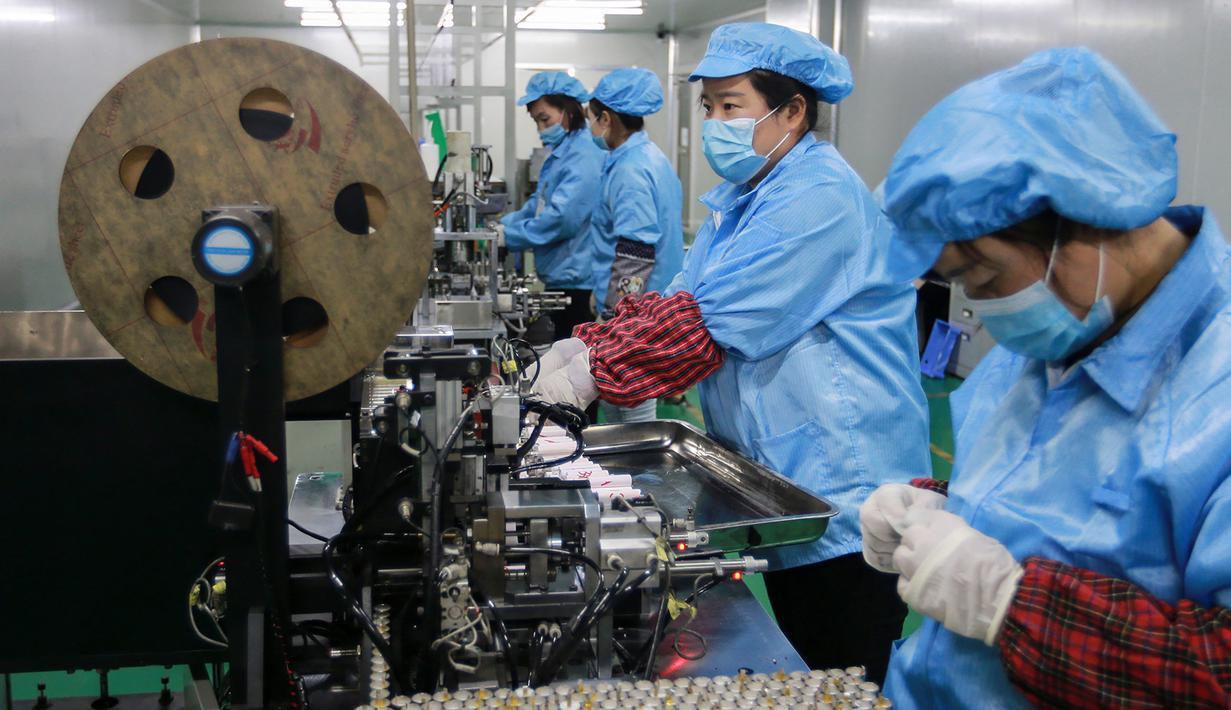 012239200_1552044005-20190306-Pabrik-Baterai-di-China-AFP2