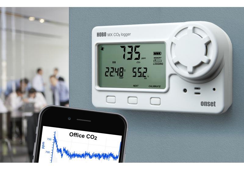 HOBO-co2-temp-RH-Bluetooth-data-logger-MX1102-app1-1